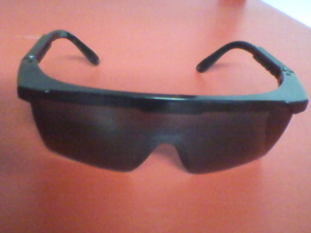 dark-lense-safety-glasses-s6