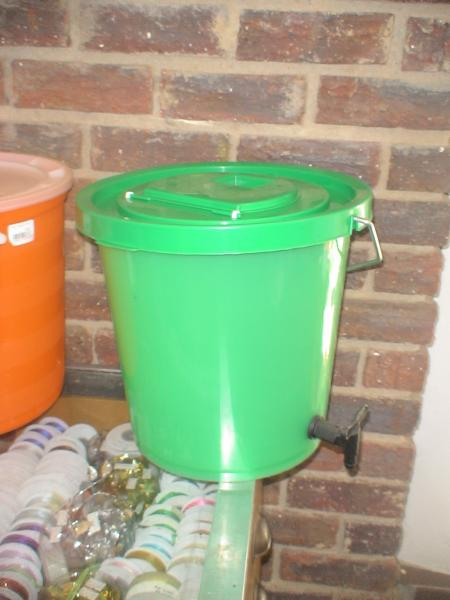 bucket-with-tap--plastic