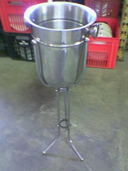 wine-cooler-stand