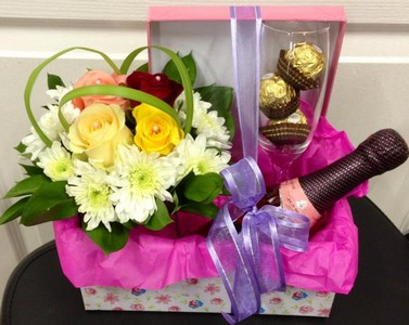flower-arrangment-and-baby-cham-and-chocolates-in-gift-box-h20