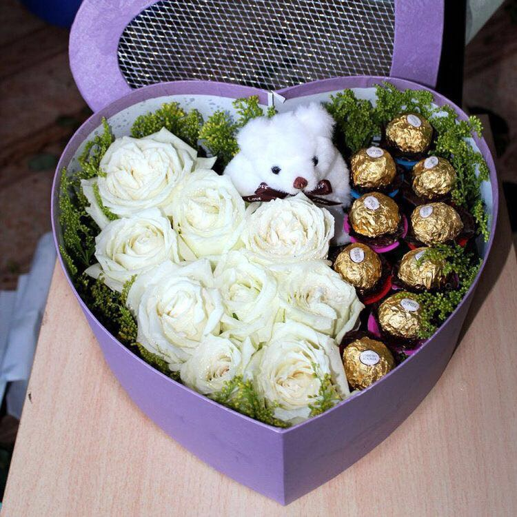 roses-chocolate-and-teddy-in-hart-box-v19