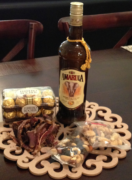 amarula-biltong-chocolate-and-dried-fruitnuts-hamper-h17